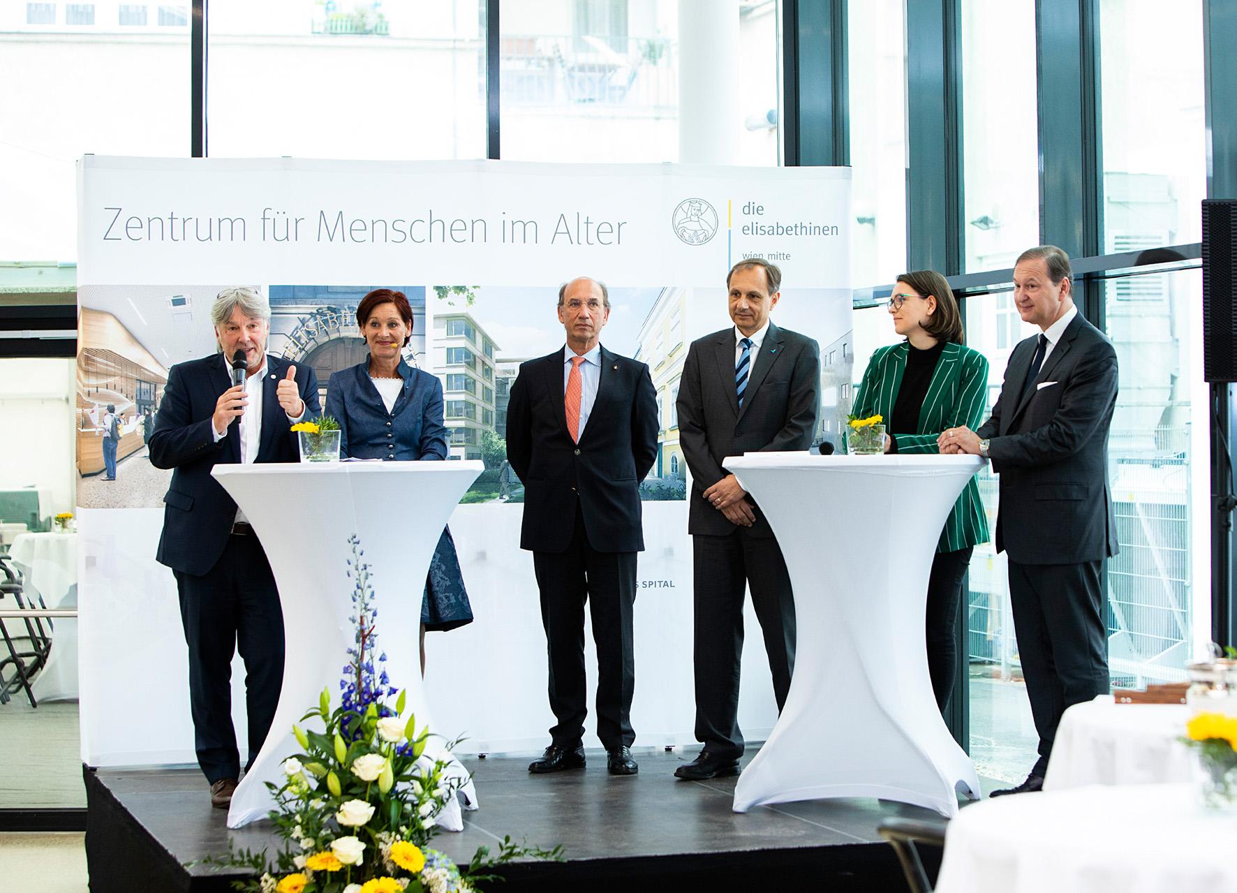Feierliche-Eröffnung-des-Zentrums-für-den-Menschen-im-Alter